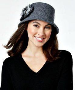 NINE WEST | כובע נשים מיקרוברים אלגנטי ניין ווסט