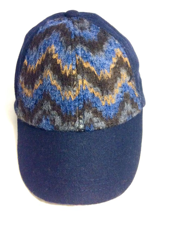 Jessica Simpson | כובע קסקט כחול ג'סיקה סימפסון