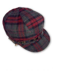 AUGUST HAT   כובע מצחייה משבצות בורדו אוגוסט הט