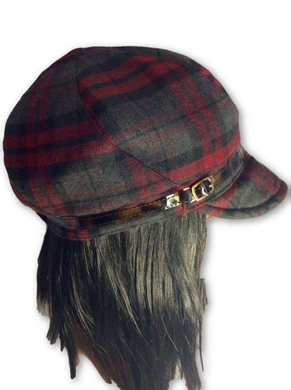 AUGUST HAT | כובע מצחייה משבצות בורדו אוגוסט הט
