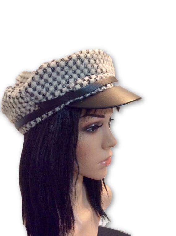 AUGUST HAT | כובע מצחייה אופוויט/שחור אוגוסט הט