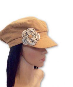 AUGUST HAT   כובע קאמל פרח לבן אוגוסט הט