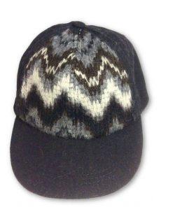 Jessica Simpson | כובע קסקט שחור ג'סיקה סימפסון