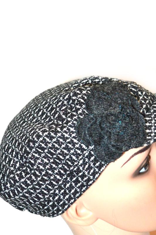 COLLECTION | כובע קסקט שחור/לבן פרח קולקשיין