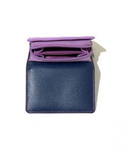 """ארנק עור קטן מבית האופנה ״גולונסקי ״ ארנק אלגנטי סטייל מושלם צבע : סגול/כחול פנים: תכלת/סגול/כחול חומר/בד: עור גובה: כ 8 ס""""מ רוחב : כ 10ס""""מ עומק : כ 2.5 ס""""מ בסיס : 10ס""""מ סגירה: נפתח כמו ספר חלוקה פנימית: 2 תאים לכסף ומסמכים 6 מקומות לכרטיסי אשראי תא סגירת רוכסן לכסף קטן בצד האחורי"""